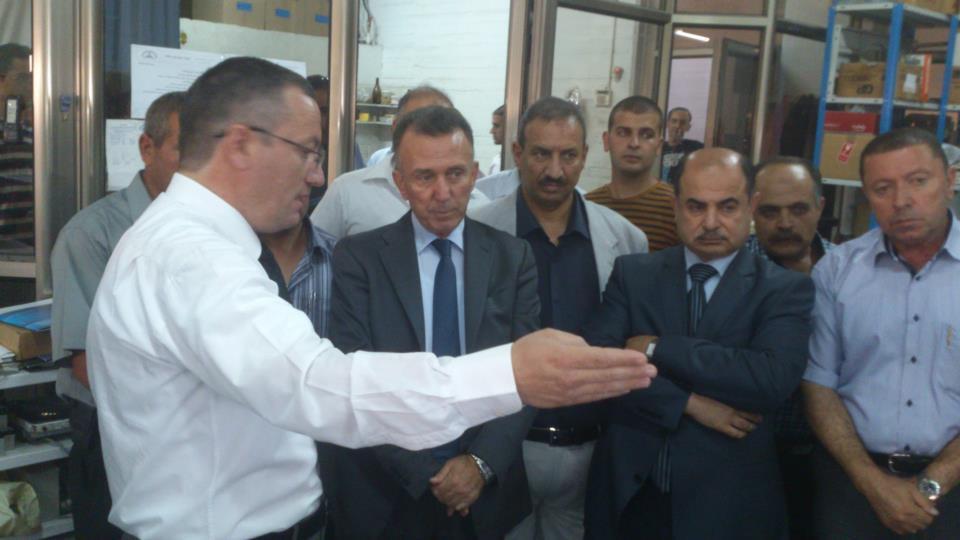 زيارة وزير الإقتصاد جواد ناجي ومؤسسة المواصفات الفلسطينية لشركة التقدم للقبانات
