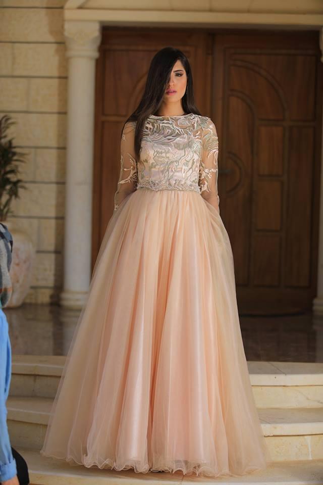 اختاري فستانك من بين مجموعة من أروع وأفخم الماركات العالمية والتصاميم المميّزة